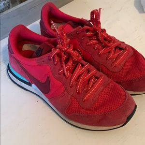 Nike red sneaker